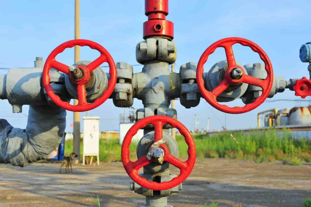 Oil and gas valves