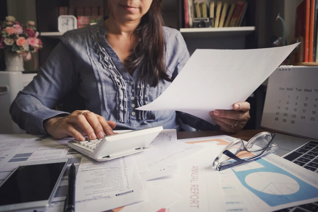 A car accident victim goes over her settlement to calculate her tax liability.